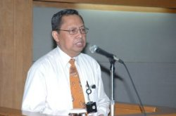 Dr. Hudi Hastowo