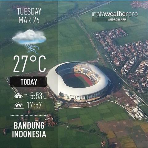 Stadion Bandung Lautan Api di tengan sawah seharga 1100 milyar.