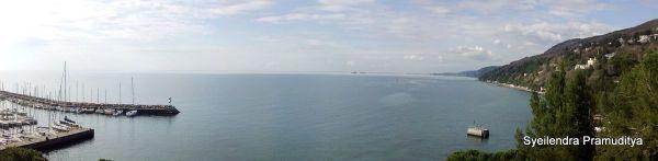 Window view dari kamar saya: laut Adriatik yang mantap abis